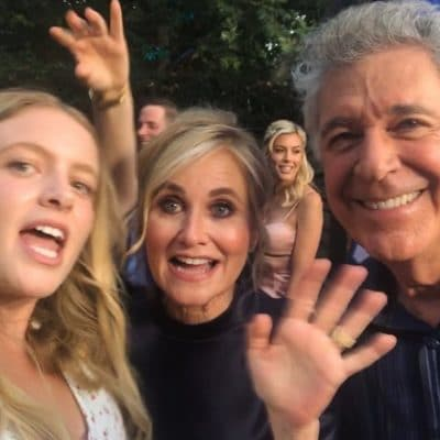 "Tearing Down the Walls of ""Brady Bunch"" Perfection With Stars Maureen McCormick & Barry Williams"